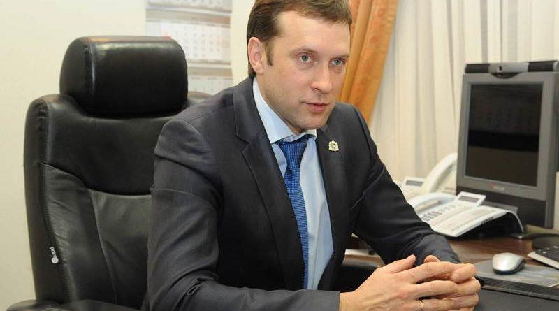 Сергей Безруков, Министр промышленности