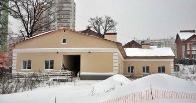 Медицинский корпус спортивного центра «Олимп» продолжает разрушаться
