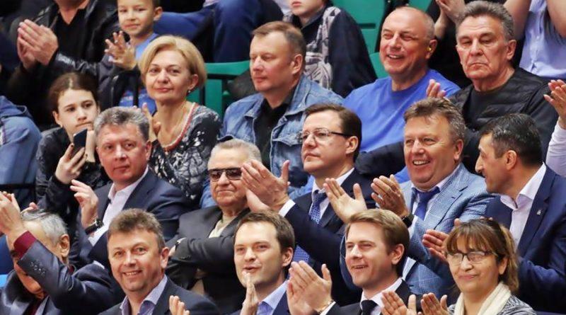 Дмитрий Азаров на баскетболе